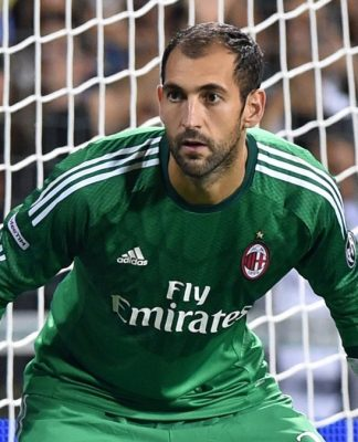 Diego Lopez Knee Injury Takes Him Out of Play