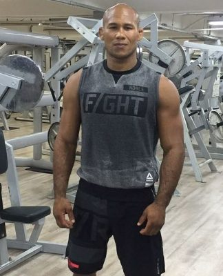 Jacare Souza Re-signs Eight-Fight Deal with UFC