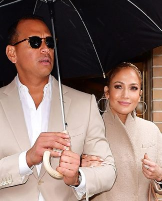 It's Official Alex Rodriguez Confirms JLo Relationship