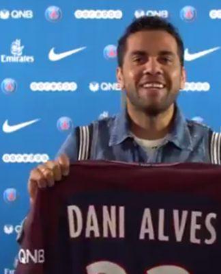 Paris Saint-Germain Sign Dani Alves