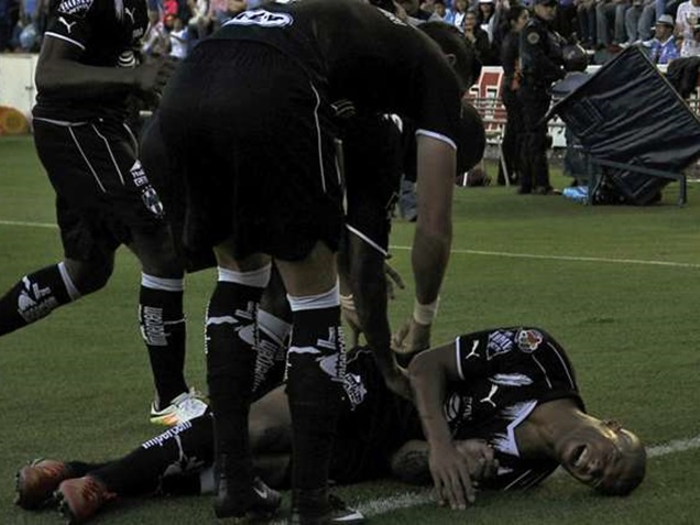 Injury Takes out Monterrey winger Carlos Sanchez