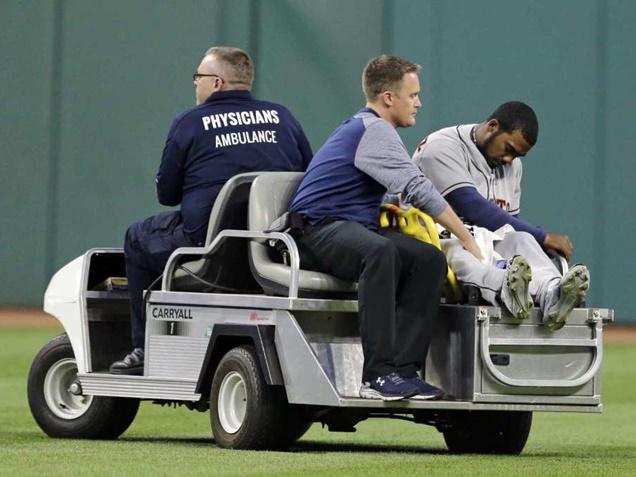 Astros Teoscar Hernandez and Jose Altuve Get Into Nasty Concussion