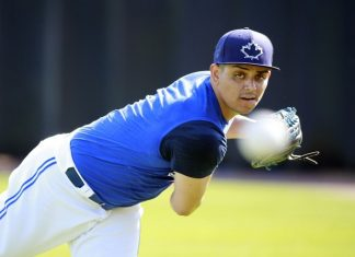 Roberto Osuna Weighs In on Carlos Correa Complaint